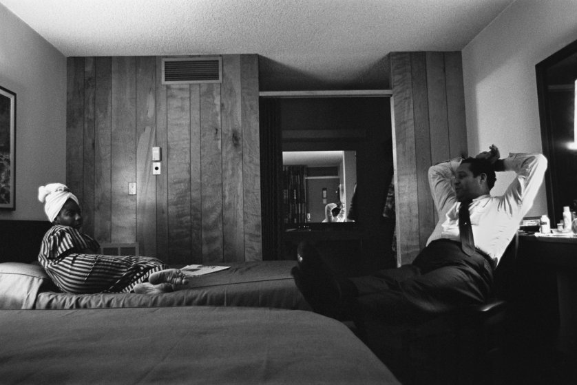 alfred wertheimer-Simone and her husband in a motel room in Buffalo, New York. December 1964.