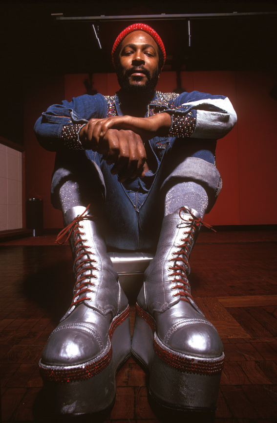 Marvin-Boots-Sit-prnt
