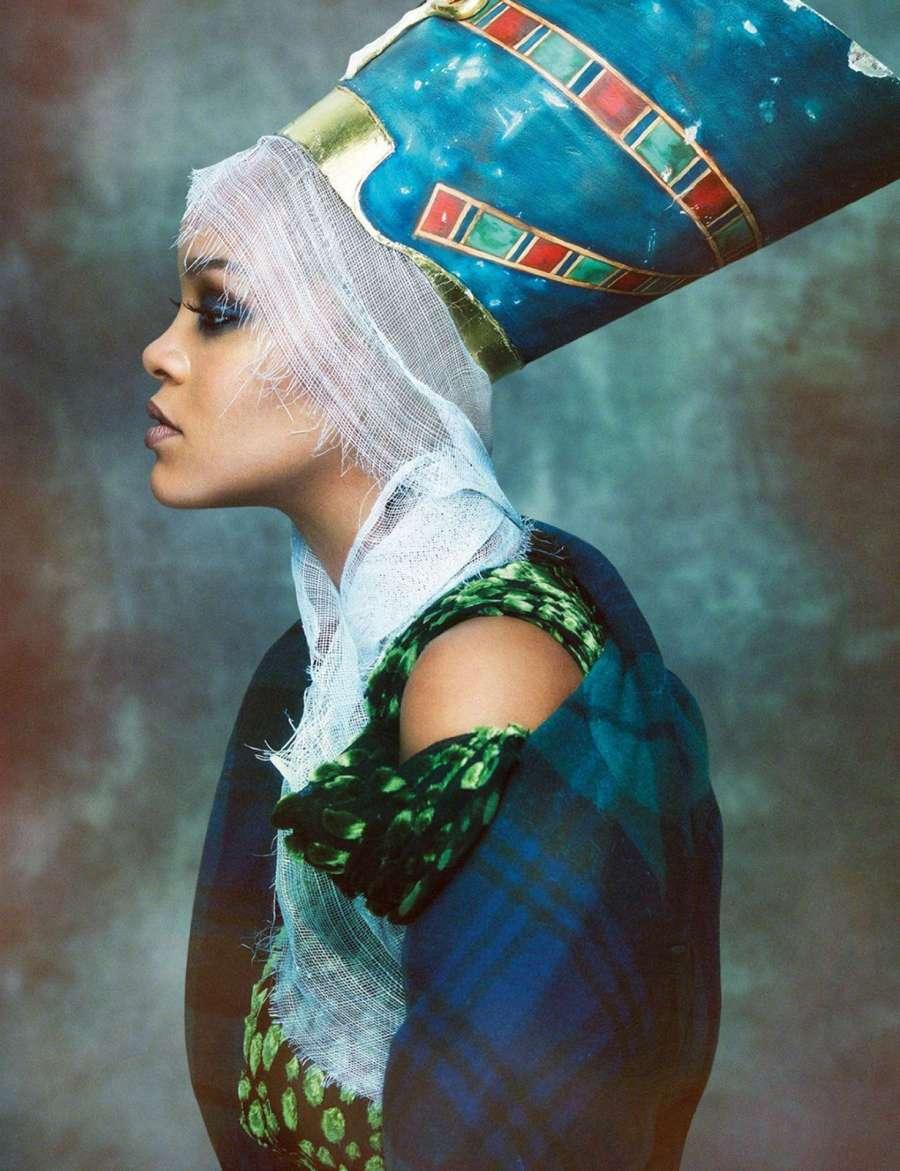 Rihanna_-Vogue-Arabia-Magazine-2017--08Greg Kadel.jpg