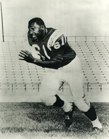 Ernie Barnes playing for the San Diego Chargers between 1960 and 1962. Photograph- Courtesy of the Ernie Barnes family trust