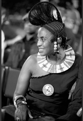 ZAIRE. Kinshasa. World Heavyweight Boxing Championship. South African singer Myriam MAKEBA wearing a Muhammad ALI badge. 1974.