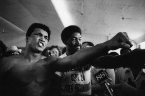 ZAIRE. Kinshasa. Muhammad ALI in his training camp. 1974.