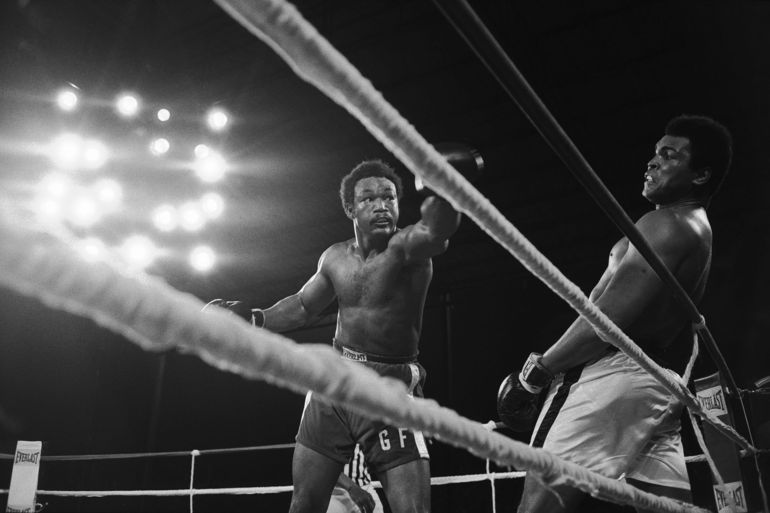 ZAIRE. Kinshasa. Boxer Muhammad ALI avoids a punch by George FOREMAN during the World Heavyweight Championship. ALI won by K.O. October 30th, 1974.