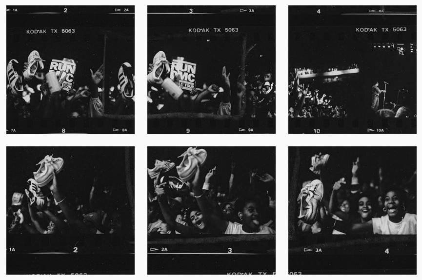 My Adidas en un concierto de Run DMC y el público se entrega al ritual de levantar sus zapatillas Superstar. Fotos de Lawrence Watson,